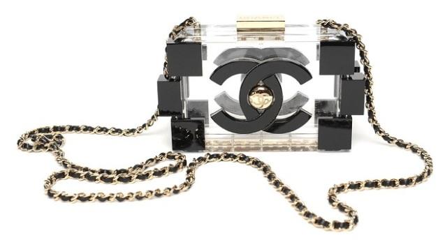 Chanel Lego_karl_lagerfeld_bolso clutch_colores_plastico transparente_piezas_reinterpretacion bolso chanel cadena dorada negro